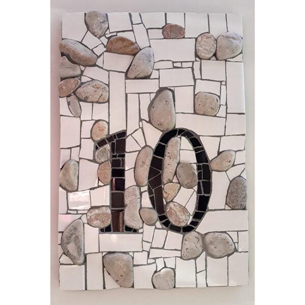 Hišna številka 10