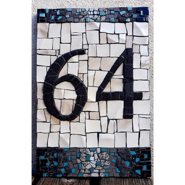 Hišna številka 64