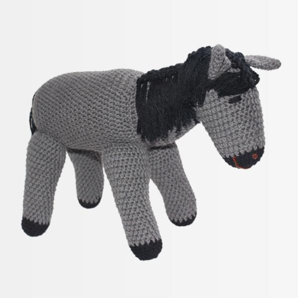 konj, siv